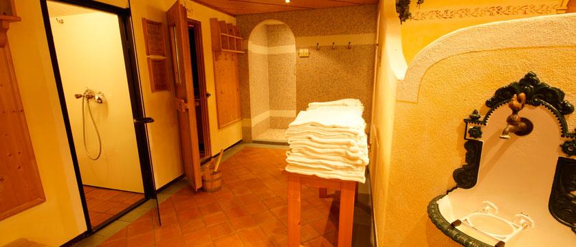 Hotel Tilerhof, Oberau, The Wildschönau Valley, Austria - Leisure & Spa area.jpg